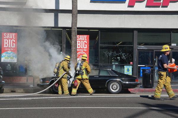 Car.Fire.Hwood.Blvd.2